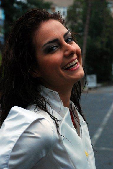 حصريــا:صـــور الممثله التركيه ozlim yilmaz(رشا) بطلة مسلسل الحب