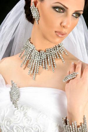 اكسسوارات راقيه للعروس