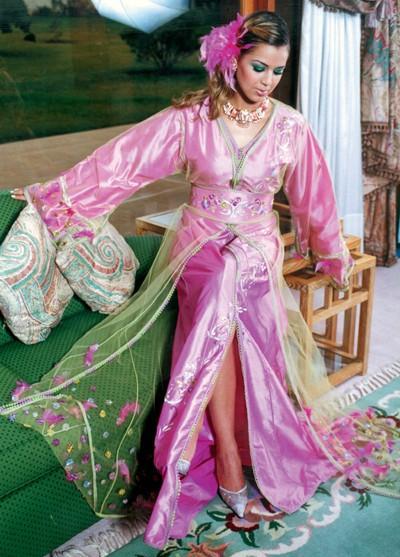 أزياء جزائرية 591677486.jpg