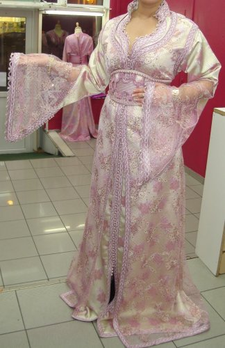 أزياء جزائرية 709483603.jpg
