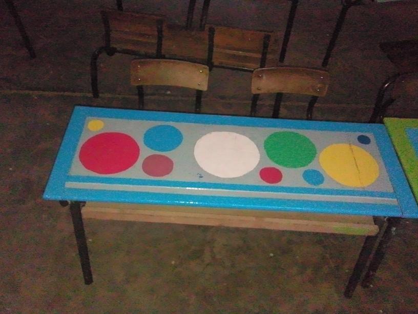 طاولات رائعة درهم 337146377.jpg