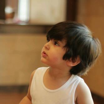 صور اطفال حلوين بجننو 769642437.jpg