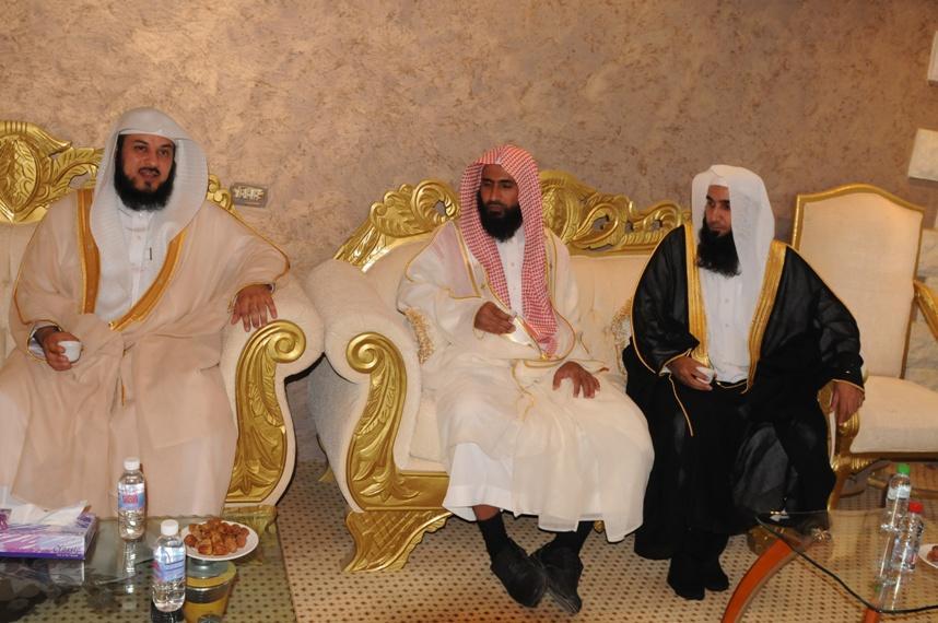 الدكتور العريفي يزور ابناء الشيخ محمد الرحيل البلوي صحيفة صدى تبوك الألكترونية