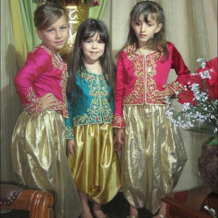 اطفال باللباس التقليدي الجزائري 661001503.jpg