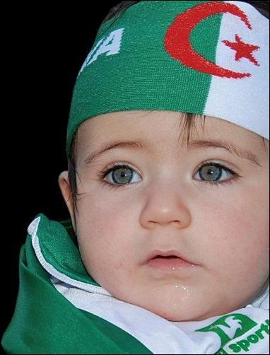 اطفال باللباس التقليدي الجزائري 536047611.jpg