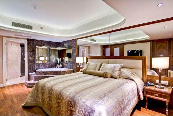 MariGold Hotel 838884683