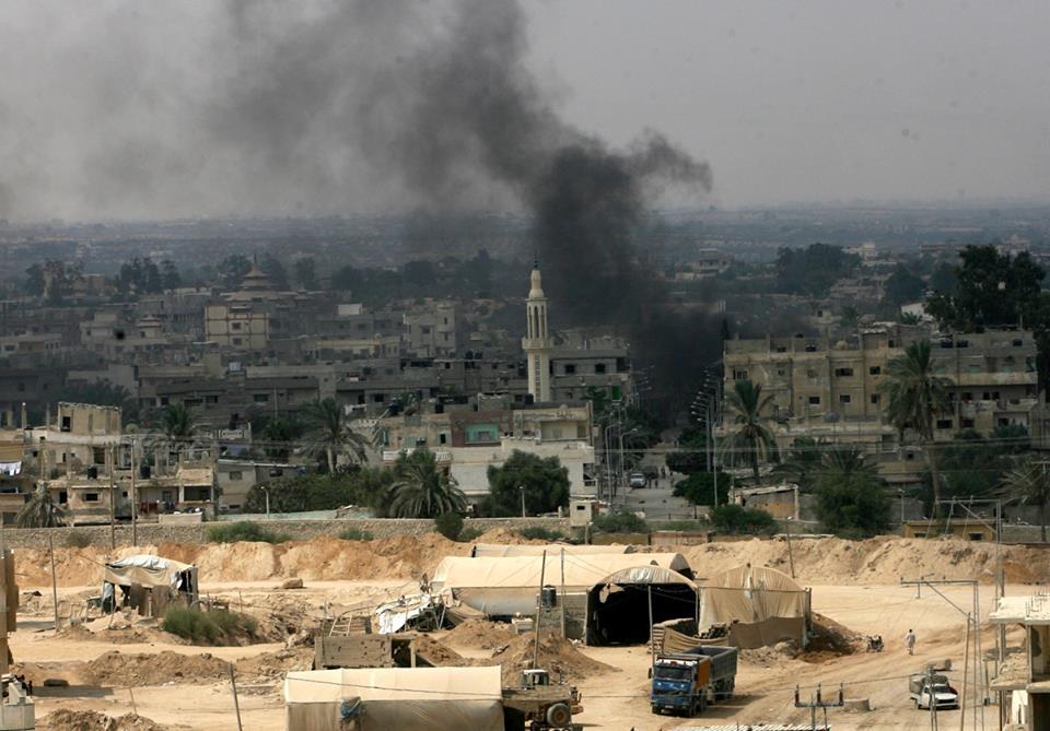 عالمي بالصور الجيش المصري يبدأ بإقامة المنطقة العازلة 227891060.jpg