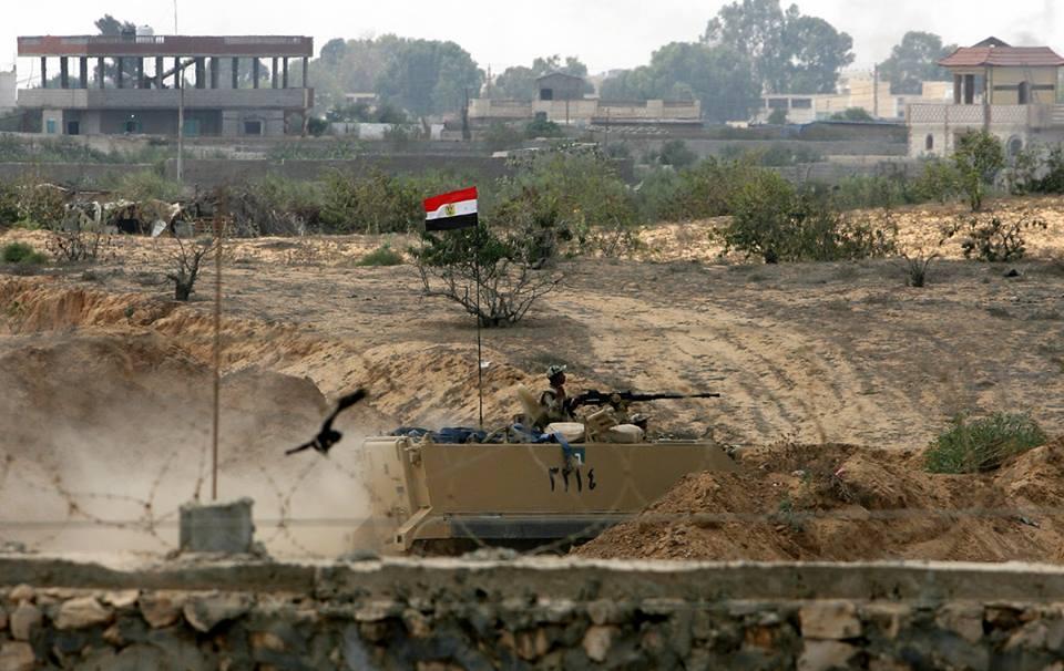 عالمي بالصور الجيش المصري يبدأ بإقامة المنطقة العازلة 964595783.jpg