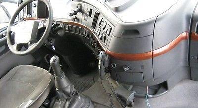 للبيع شاحنه فولفو FH12 شاسيه