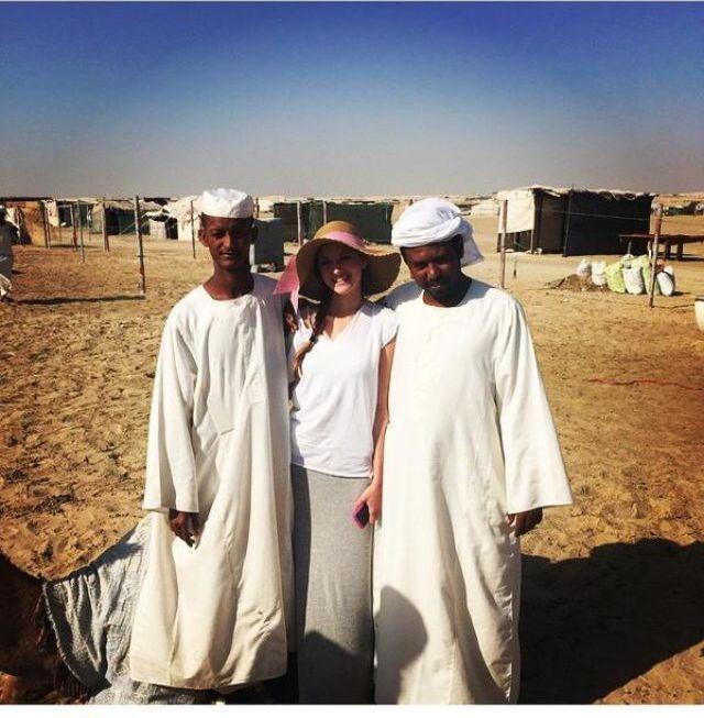 بالصورة: لاعب دورتموند الالماني يبيع صديقته لسودانيين مقابل صفقة (جِمال) 497537084