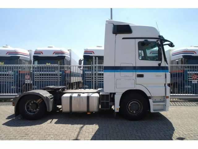 للبيع شاحنه مرسيدس اكتروس1841 موديل