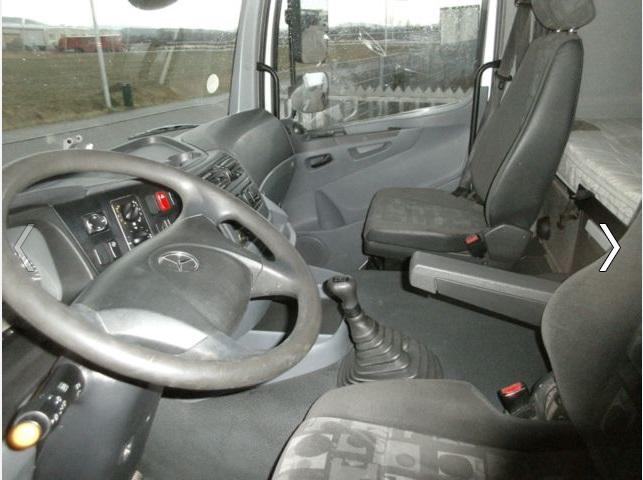 لدينا للبيع شاحنة مرسيدس اكسور
