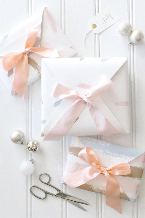 مبتكرة لتغليف الهدايا لتكون هديتك 811073715.jpg